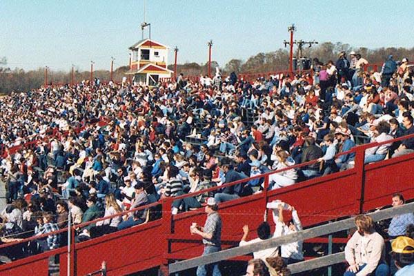 1985 Speedbowl crowd (Howie Hodge photo)